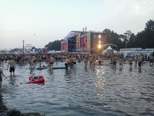 Znane wszędzie Woodstockowe błotko i grzybek