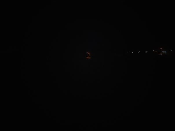 Dookoła raczej ciemno jak w dupie, idę do światła.